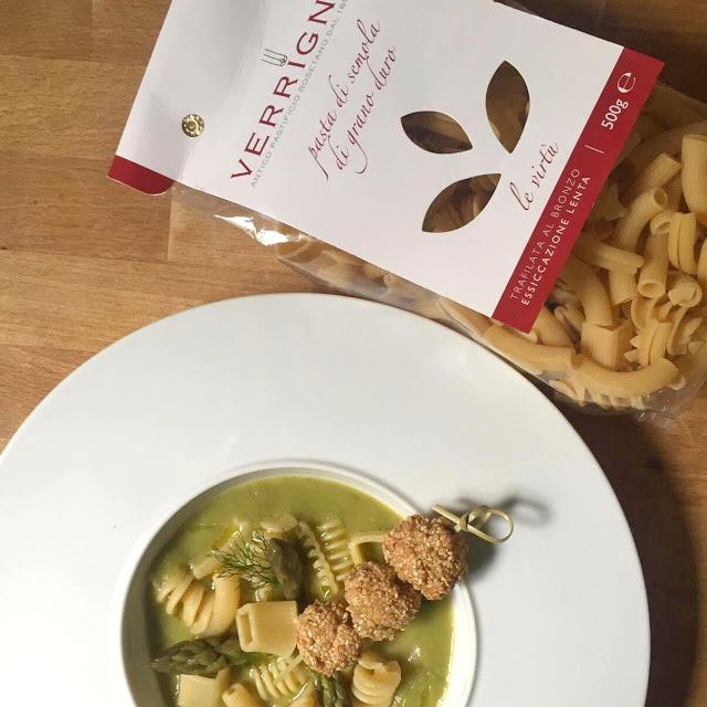 Zuppa di pasta mista e asparagi con spiedini di trota - Le virtù abruzzesi