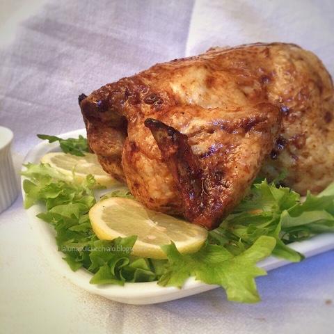 Pollo al forno alla birra con limone e spezie