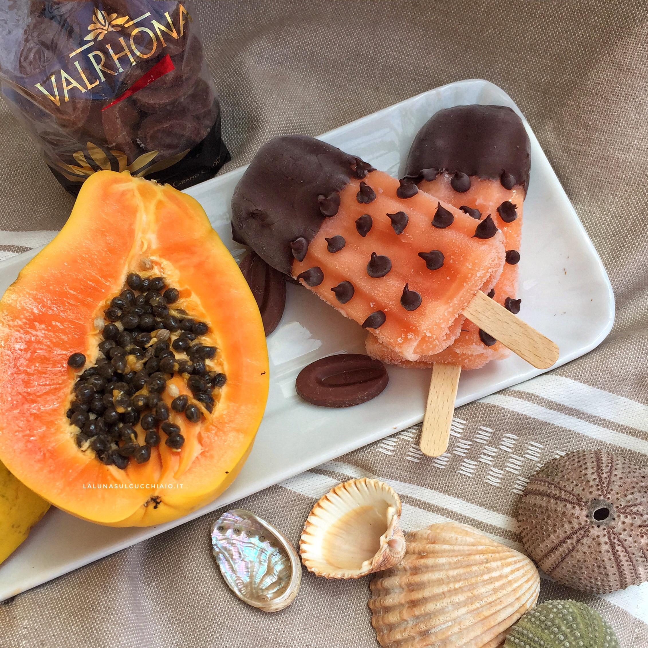 Ghiaccioli alla papaya e cioccolato