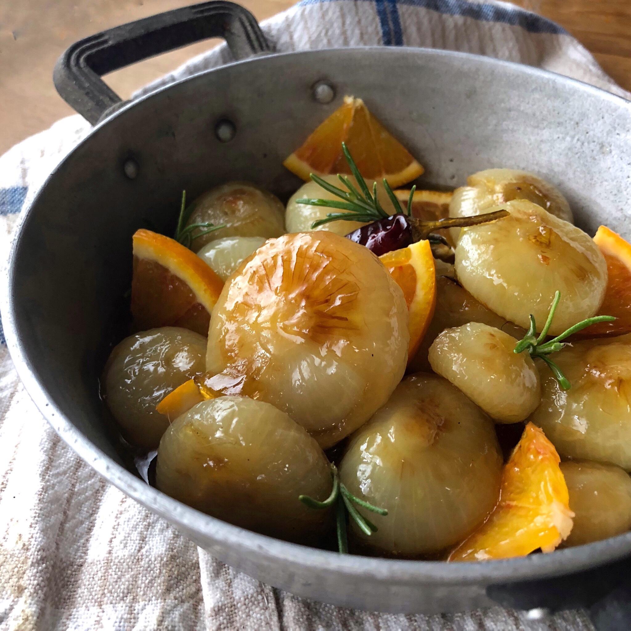 Cipolline in agrodolce con sciroppo d'acero e arancia