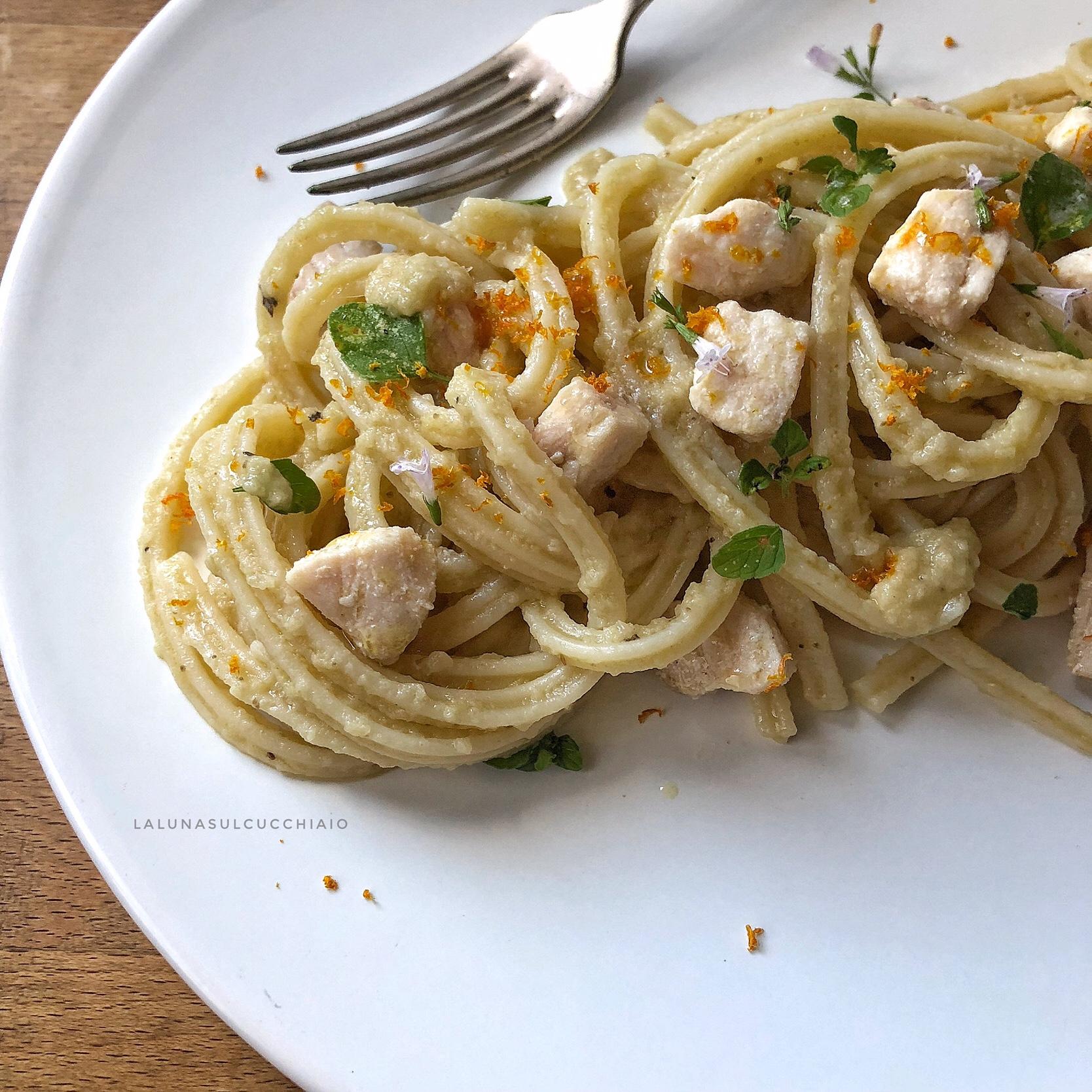 Spaghetti al pesce spada con crema di melanzane arance e mentuccia