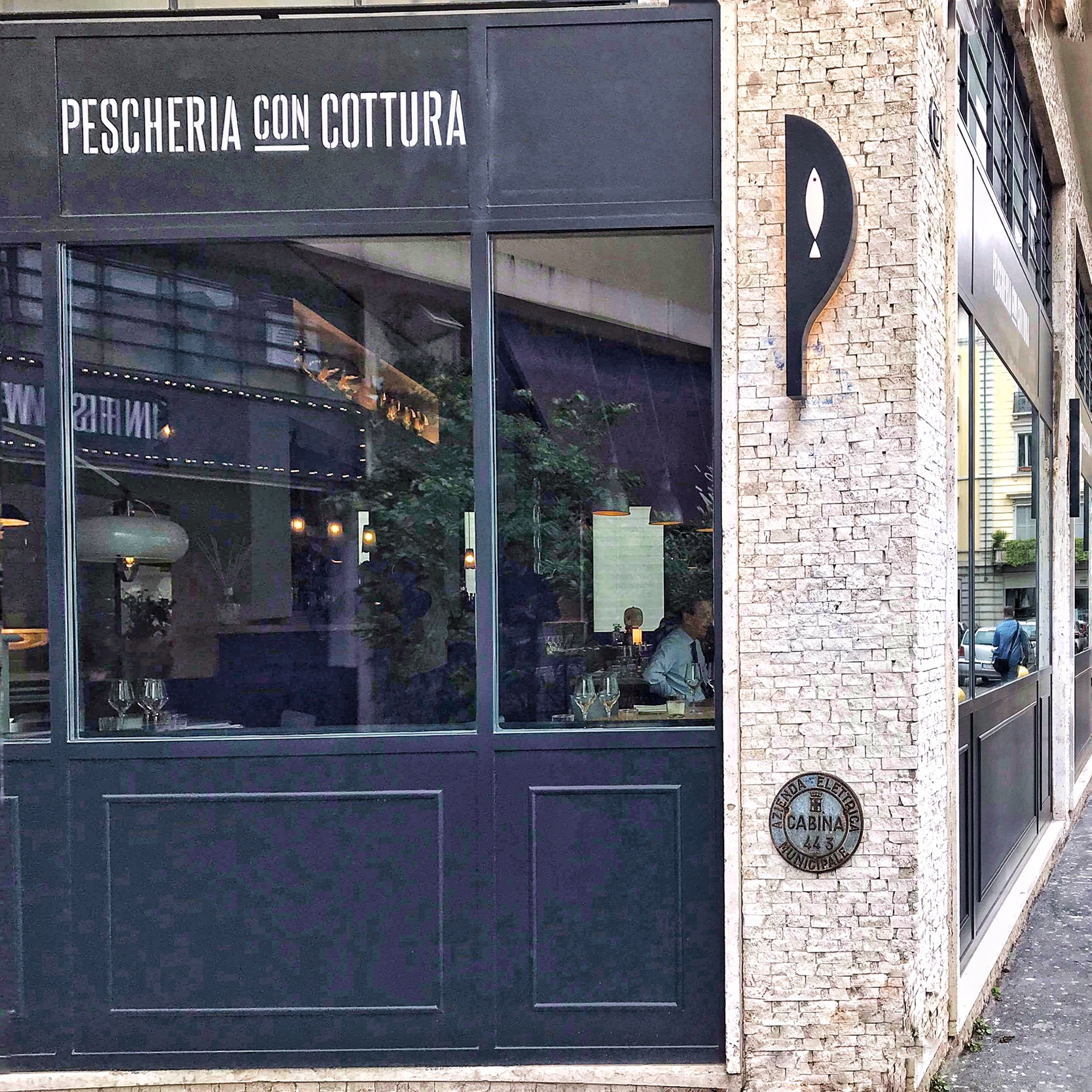 "Pescheria con cottura arriva Milano ""in Fish We Trust"""