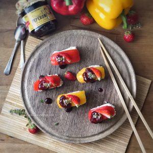 Finto sushi con peperoni e fragole