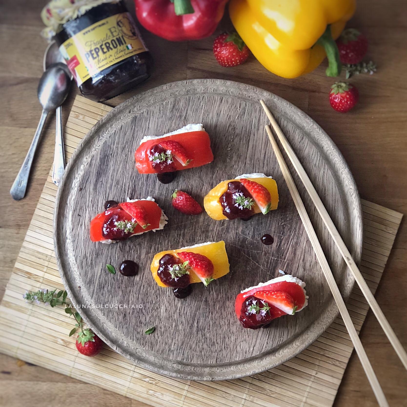 Finto sushi ai peperoni e fragole