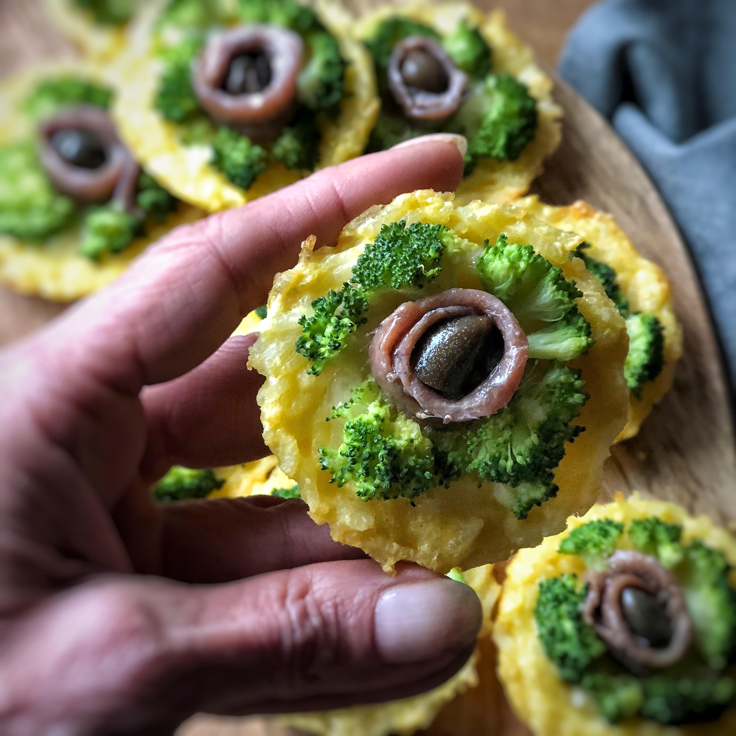 Pizzette di riso ai broccoletti e alici