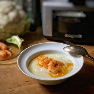Crema di cavolfiore con code di gambero alla paprica e mandarino