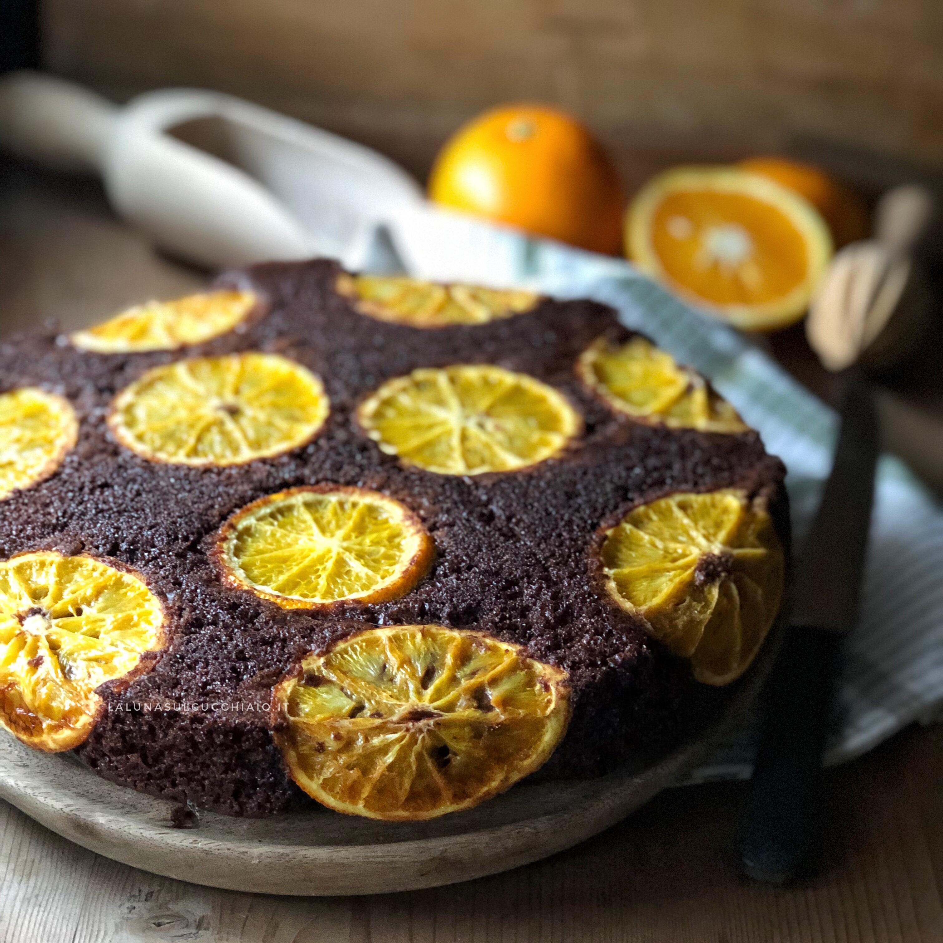 Torta rovesciata al cioccolato e arance