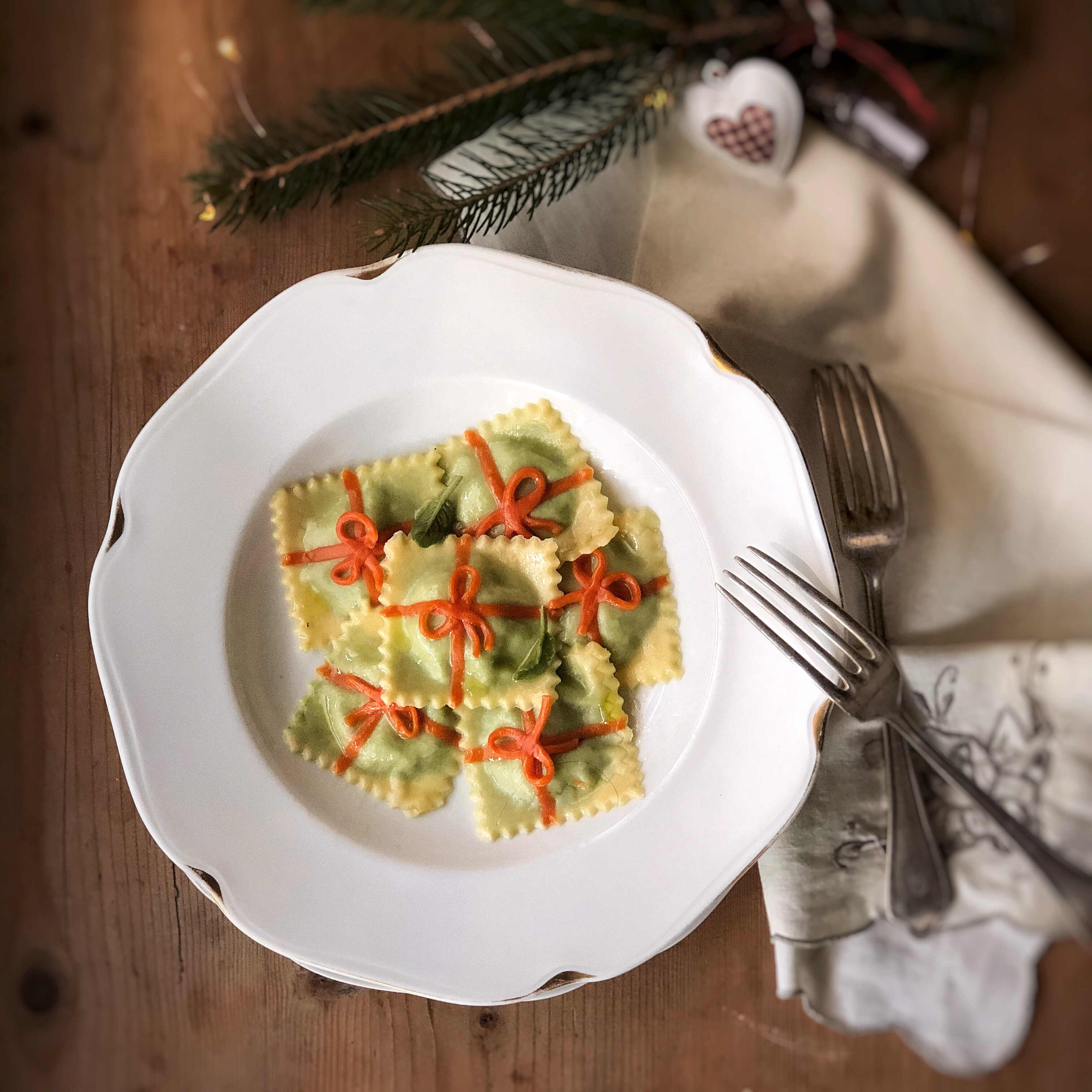 ravioli-bicolore-con-ricotta-e-spinaci