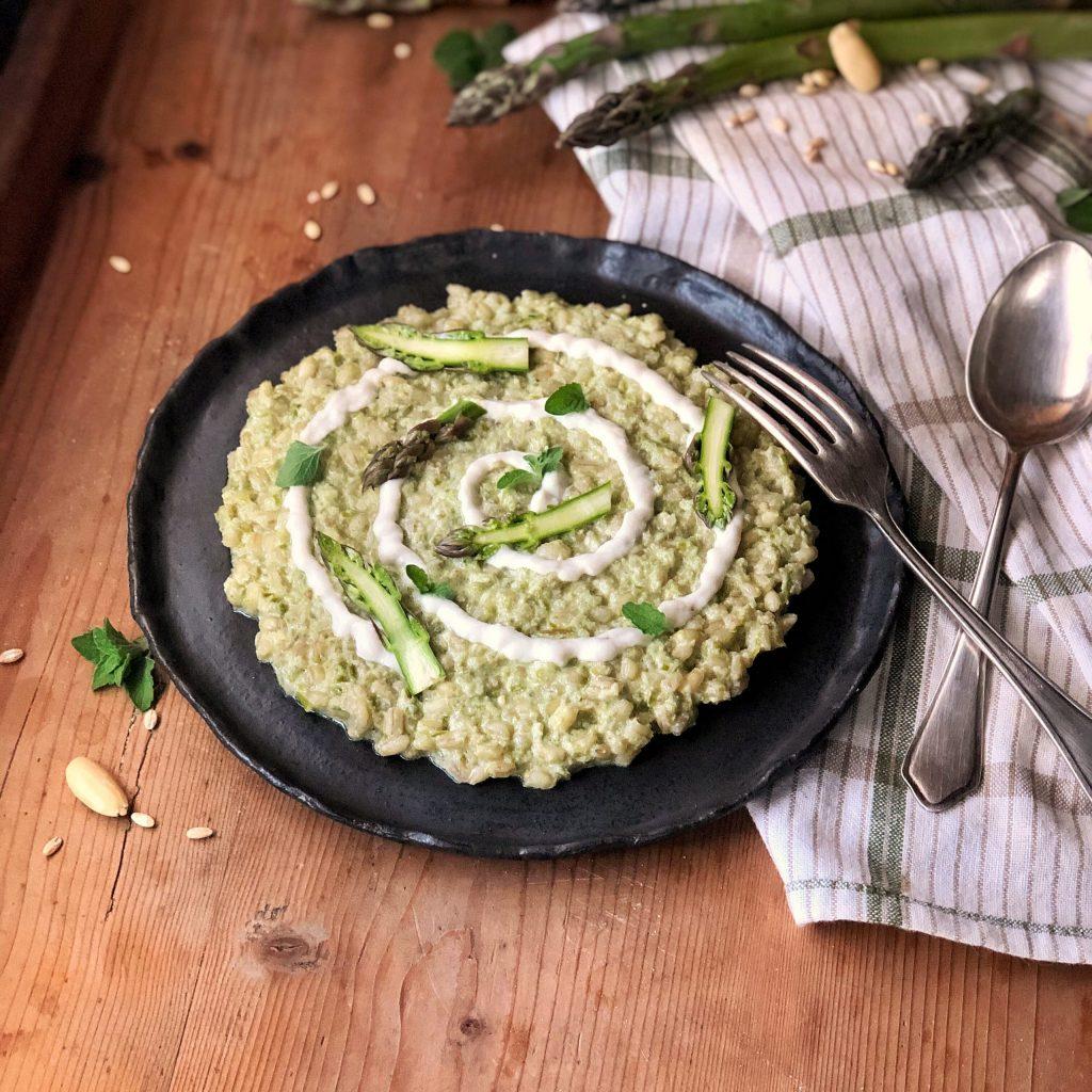 orzotto agli asparagi con crema di mandorle