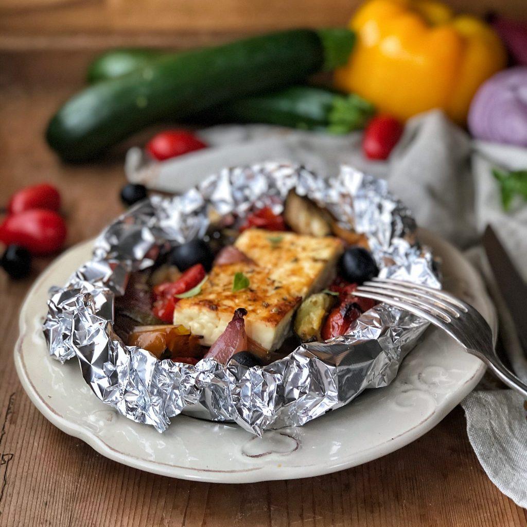 Feta greca al cartoccio con verdure