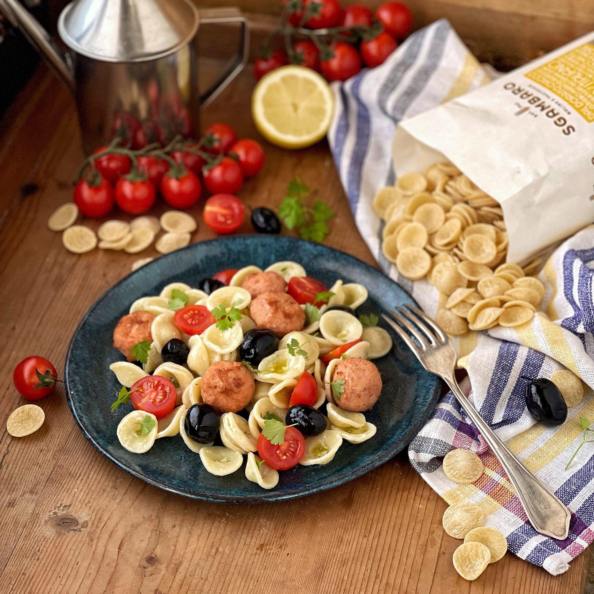 Insalata di pasta : orecchiette al limone con polpette di tonno