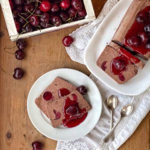 Semifreddo al cioccolato e ciliegie