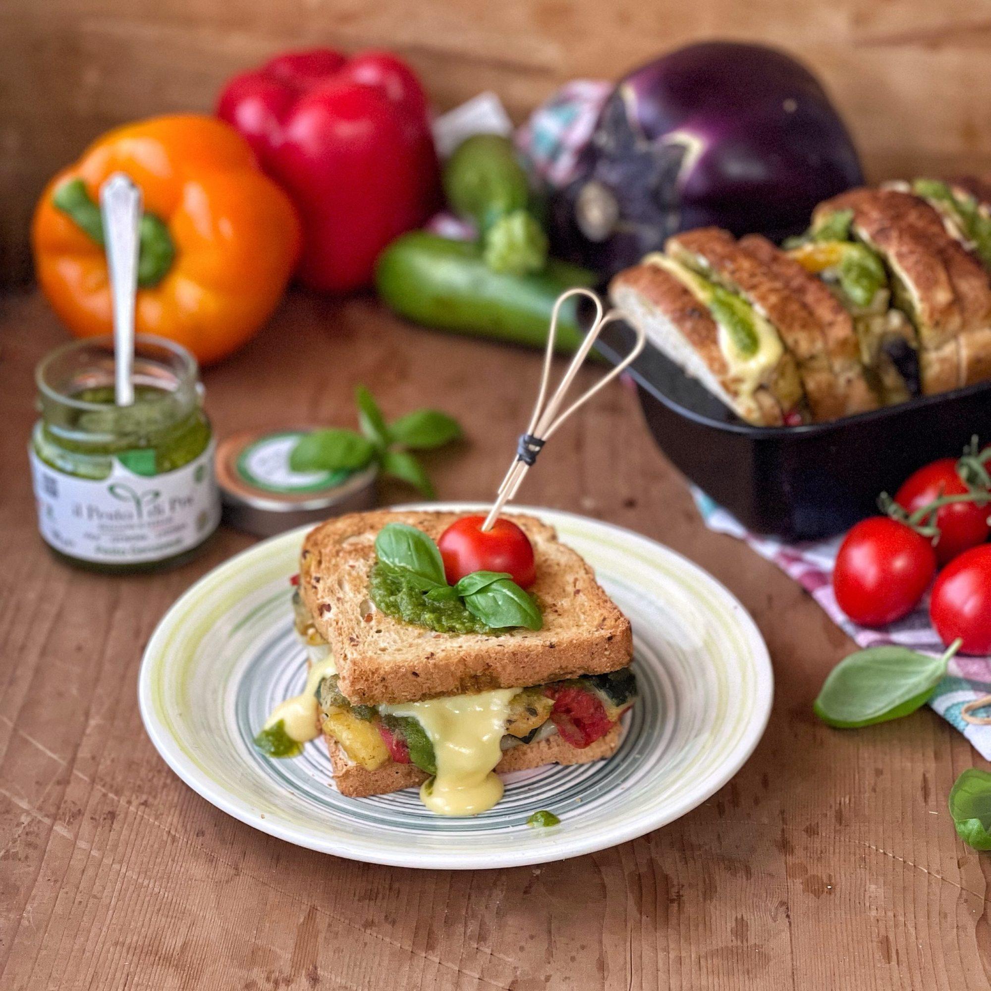 Pane in cassetta farcito con verdure e pesto