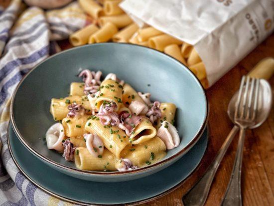 Pasta con calamari e crema di patate